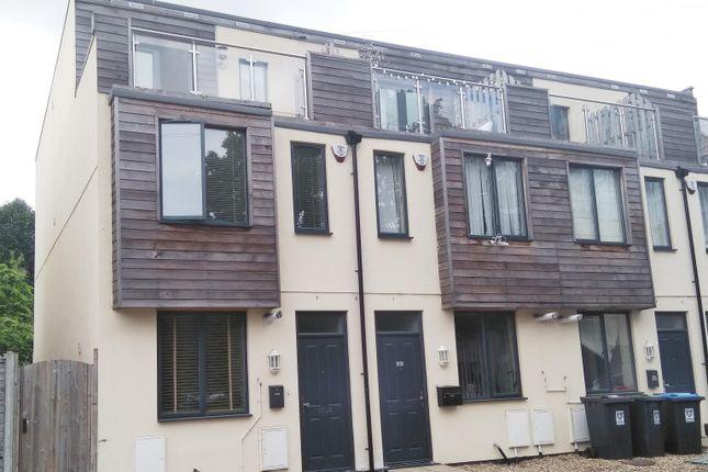 Thumbnail Property to rent in K D, Cotterells, Hemel Hempstead