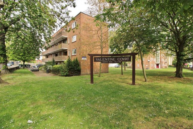 Flat for sale in Perry Vale, Forest Hill, London