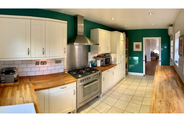 Kitchen of Carnarvon Road, West Bridgford NG2