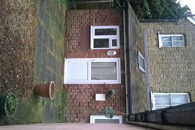 Thumbnail Flat to rent in Vista Road, Clacton On Sea, Essex