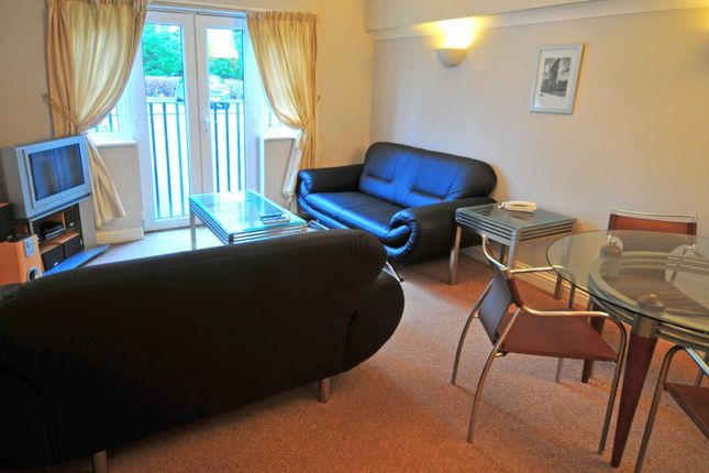 Thumbnail Flat to rent in Sandown Court, Worth, Crawley