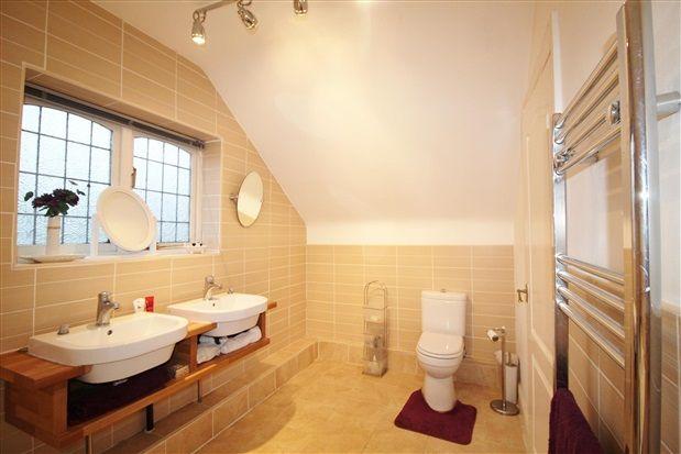 Bathroom of Yew Tree Road, Ormskirk L39