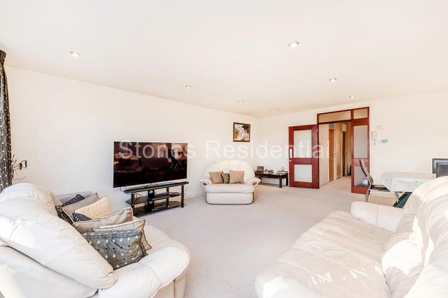 Flat for sale in Gleneagles, Stanmore