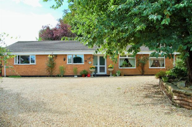 Thumbnail Detached bungalow for sale in Lumbertubs Lane, Boothville, Northampton