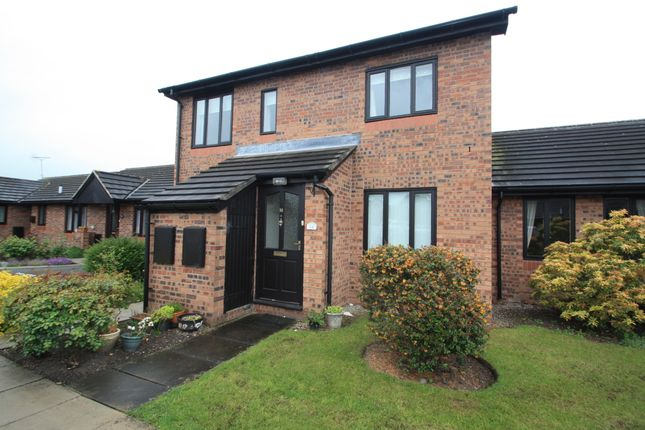 Thumbnail Flat to rent in 14 Russet Close, The Weavers, Middlewich, Cheshire