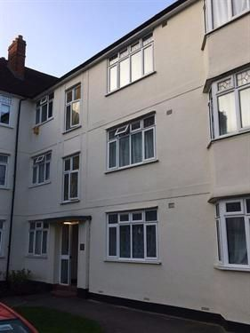Thumbnail Flat to rent in Buckingham Court, Hendon