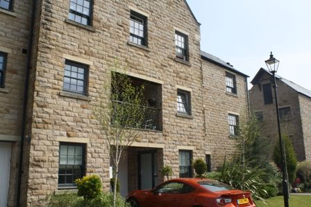 Mews house to rent in Mill View Lane, Horwich