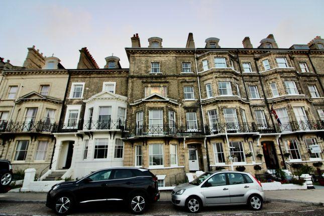 Thumbnail Flat to rent in Kirkley Cliff, Lowestoft