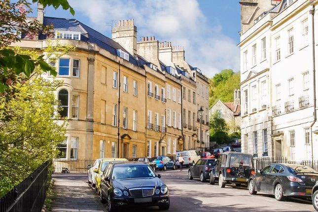 Thumbnail Flat to rent in Off St. James's Square, Central Bath