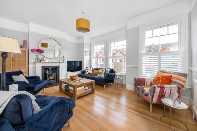 Thumbnail Flat for sale in Guernsey Grove, Herne Hill, London