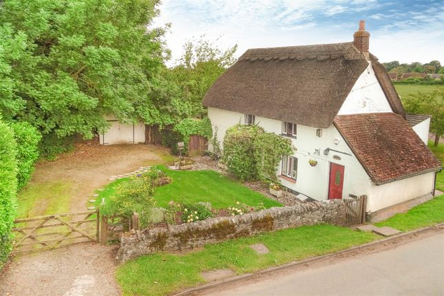 Thumbnail Cottage for sale in Bishopstone Road, Stone, Aylesbury