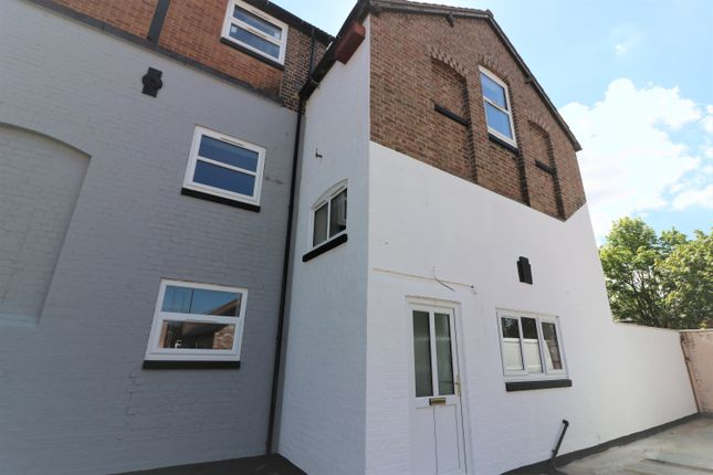 Thumbnail Town house to rent in Old Brewery Court, Thorpe End, Melton Mowbray, Leicestershire