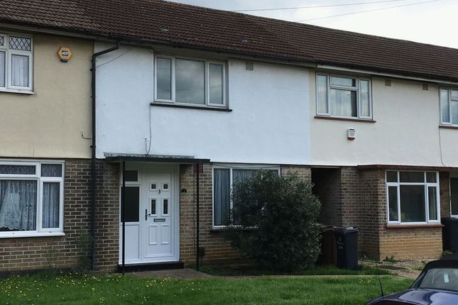 Thumbnail Terraced house for sale in Calverley Crescent, Dagenham
