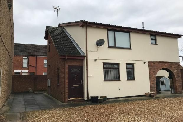2 bed flat to rent in Westfield Court, Higham Ferrers NN10