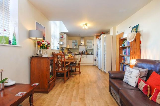 1 bed flat for sale in Brook Road, London NW2