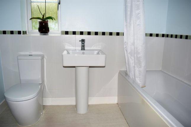 Bathroom of Archers Close, Wrawby, Brigg DN20