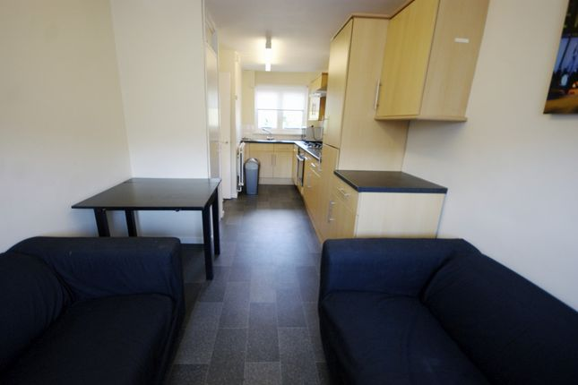 4 bed maisonette to rent in Hungerford Road, Camden, London