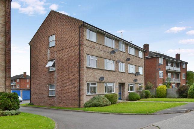 Thumbnail Flat to rent in Vine Court, Stroud Green, Newbury