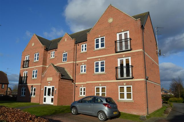 Thumbnail Flat to rent in Collum House Road, Scunthorpe