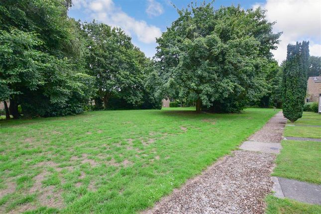 Surrounding Area of Farm Holt, New Ash Green, Longfield, Kent DA3