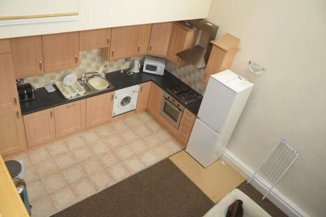 Thumbnail Room to rent in Beal Lane, Shaw, Oldham