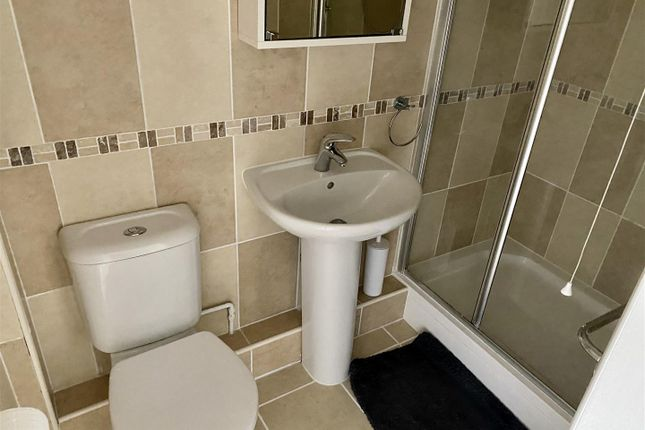 Ensuite of Eastgate, Normanton-On-Trent, Newark NG23