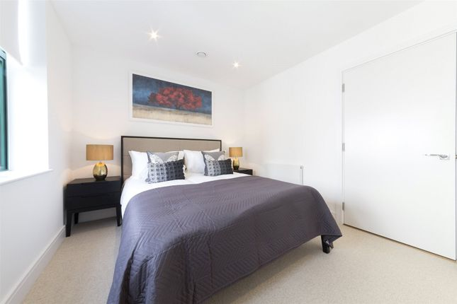 Thumbnail Flat for sale in Crescent House, Crescent Lane
