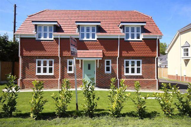 Thumbnail Detached house for sale in London Road, West Kingsdown, Sevenoaks