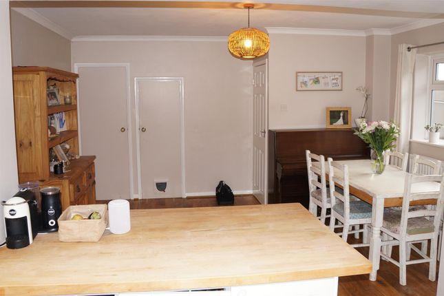 19 Green Lane Dining Area