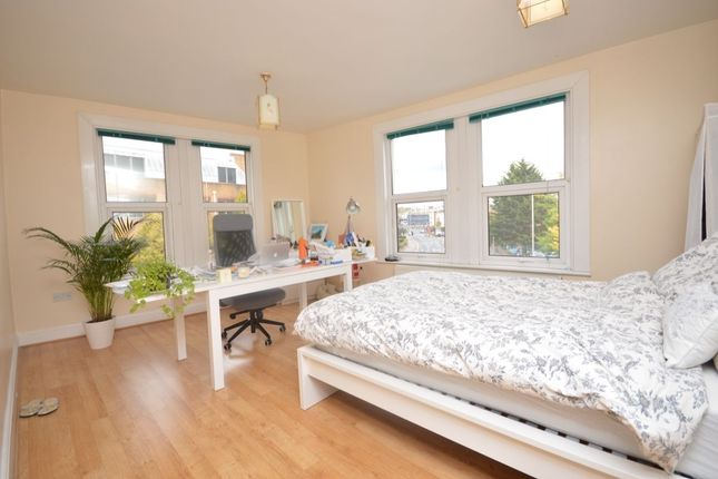 Thumbnail Flat to rent in London Road, Kingston Upon Thames