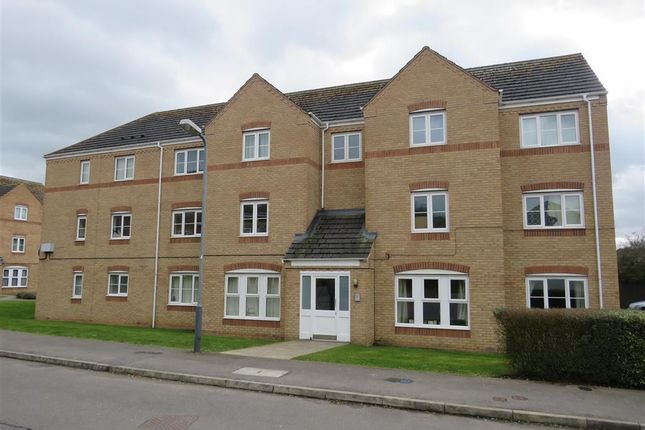 Thumbnail Flat to rent in Gardeners End, Rugby