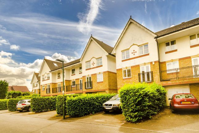 Thumbnail Property for sale in Moore Way, Sutton