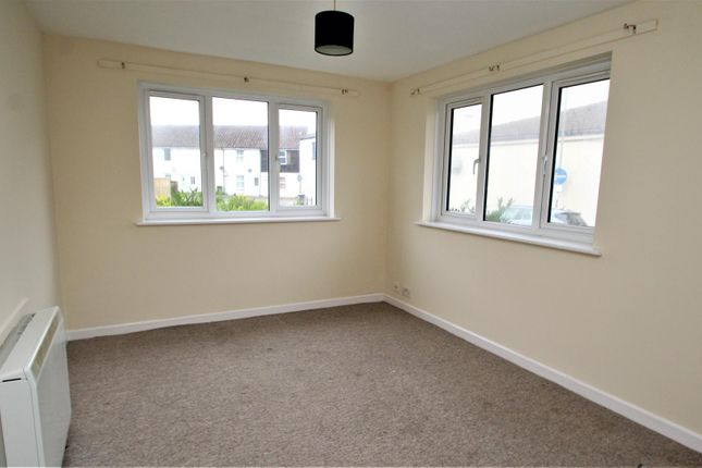 Living Room of Whiteacres Close, Gosport PO12
