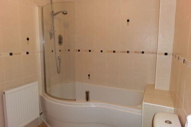 Bathroom of 10 Wardley Street, Wigan WN5