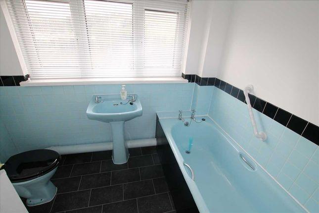 Bathroom of Penmain Street, Porth CF39