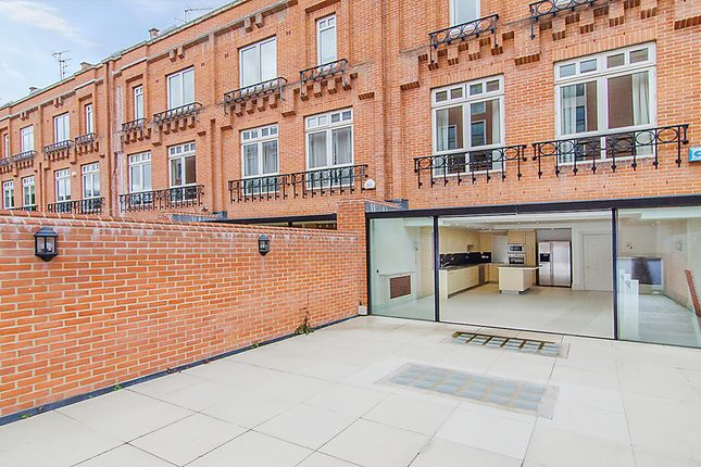 Thumbnail Terraced house to rent in Flood Street, London