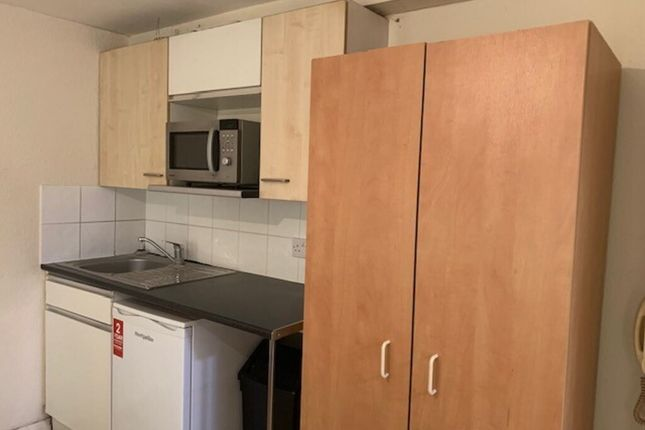 Thumbnail Studio to rent in New Parade High Street, Yiewsley, London