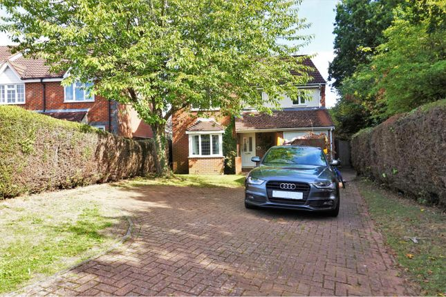 Thumbnail Detached house for sale in Hawthorn Close, Abbots Langley