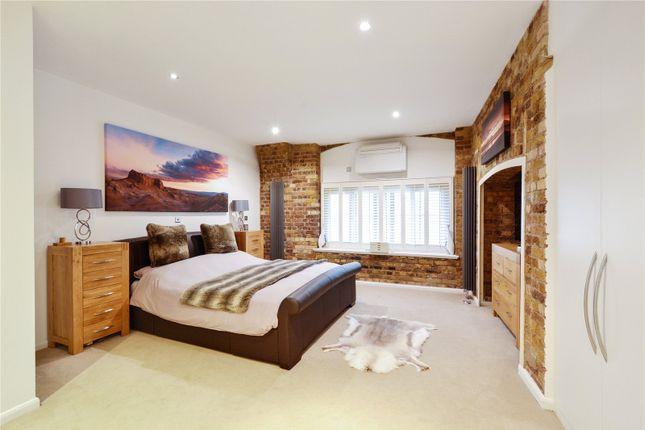 Bedroom 1 of Telfords Yard, London E1W