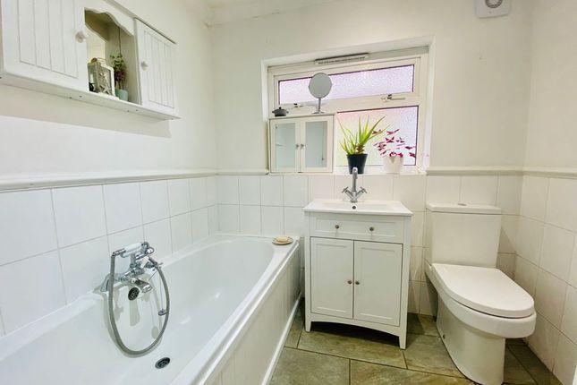 Bathroom 1 of Mayplace Road West, Bexleyheath DA7