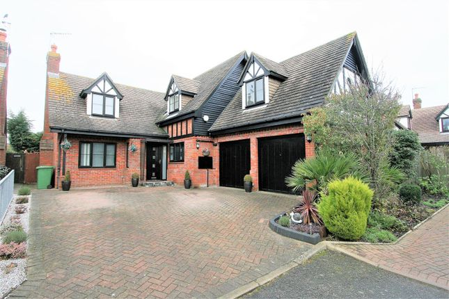 5 bed detached house for sale in Turnberry Drive, Bricket Wood, St. Albans