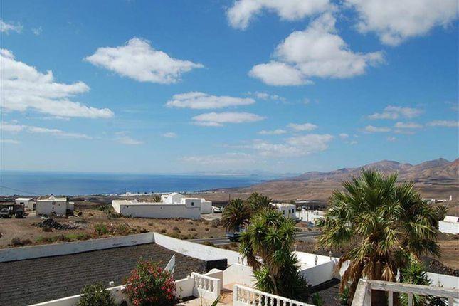 5 bed villa for sale in Macher, Lanzarote, Spain