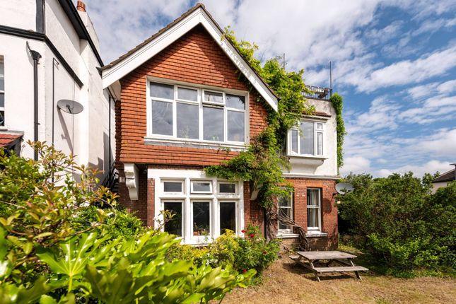 Thumbnail Flat for sale in Avenue South, Surbiton