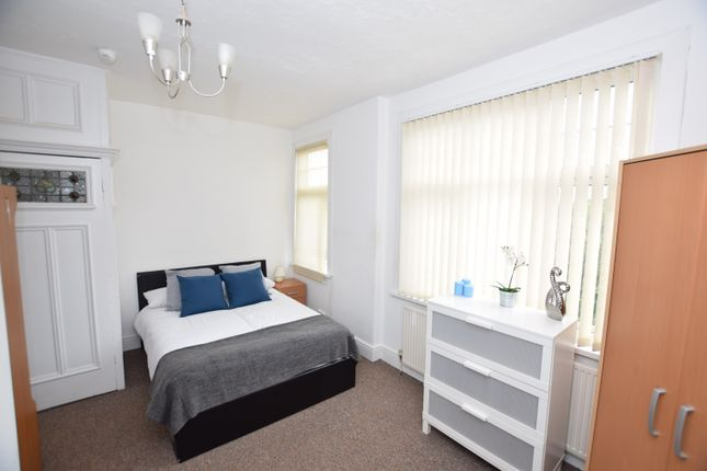 Thumbnail Shared accommodation to rent in Frederick Road, Birmingham