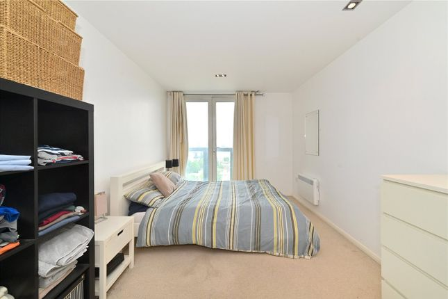 Master Bedroom of City Tower, 3 Limeharbour, Canary Wharf, London E14
