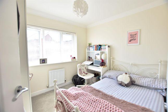 Bedroom 2 of Hildefirth Close, Ebbsfleet Valley, Swanscombe DA10