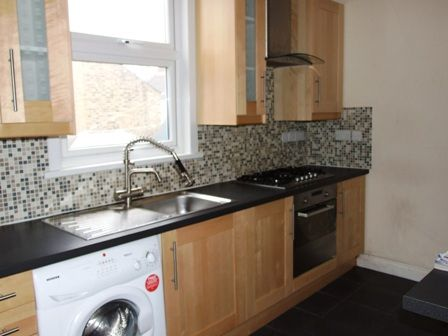 Thumbnail Duplex to rent in Burdett Road, Mile End