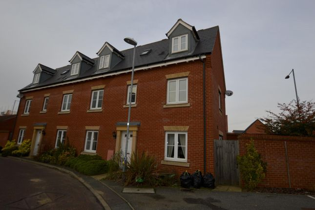 Thumbnail Semi-detached house to rent in Kirk Way, Colchester, Essex