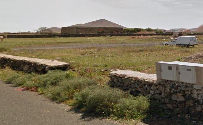 Thumbnail Land for sale in La Oliva, La Oliva, Canary Islands, Spain