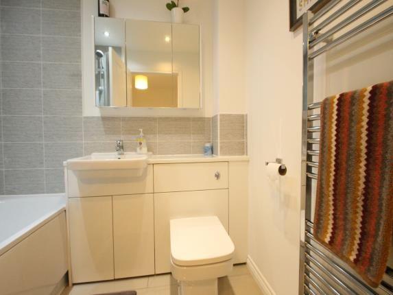 Bathroom of Ravenscliff Road, Motherwell, North Lanarkshire ML1